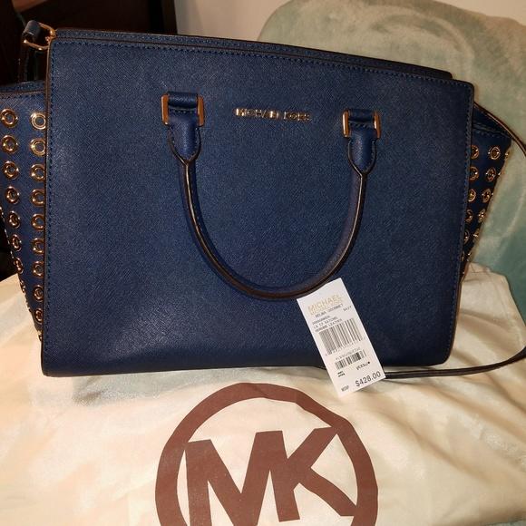 08a3e60316 Michael Kors Bags   Stunning Selma Grommet Navy Handbag   Poshmark